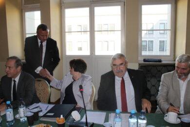 wybory NOT Gratulacje tuż po ogłoszeniu wyników wyborów składa pani prezes Ewie Mańkiewicz-Cudny jej kontrkandydat prof. Michał Szota